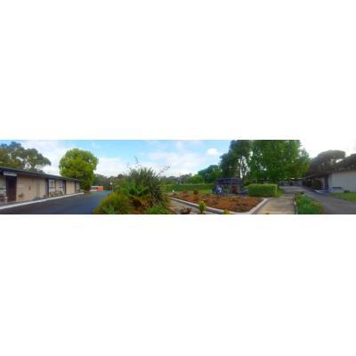 Meeniyan Motel - Motel blocks, spacious gardens and free outdoor kitchen & bbq facilities