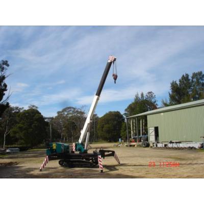 Spydner crane crawler - specialists tight lift on/off road 20% grade