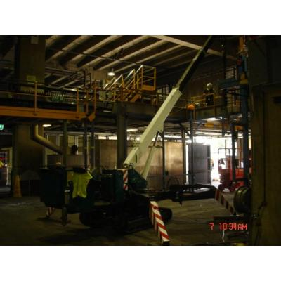 Spider crane - removal of equipment