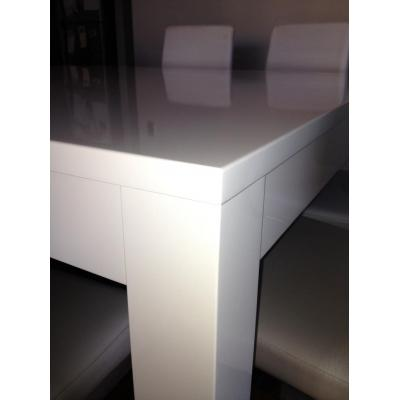 Tables and chairs - High gloss spray painting, Lacquering, Buffing, Re finishing, Re surfacing,