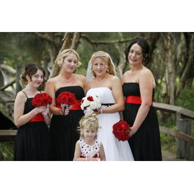 Red Roses Posies - White and red posies for bride  and Red roses posies for bridesmaids. Sarah G de