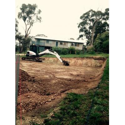 5 ton Excavator - Digger