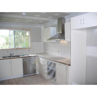 Kitchen in progress - out with old in with new kitchen and splashbacks