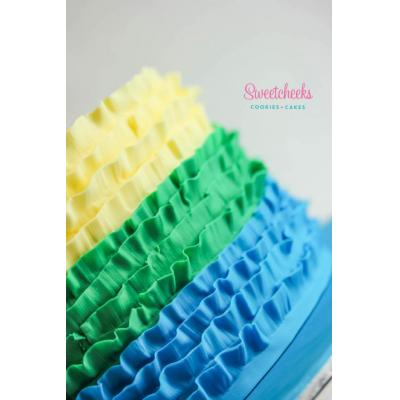 Fondant Ruffle Cake Victoria - This one is perfect for an art party, or any other party! Colours cus
