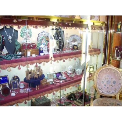 Antiques and collectables - Antiques, retro and vintage collection