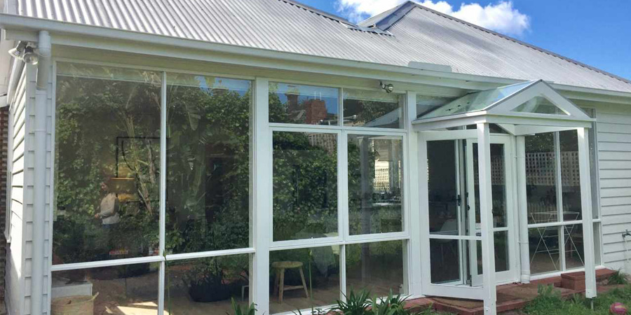 House Painter Melbourne, Painting Contractor Boroondara, Window Painting Toorak